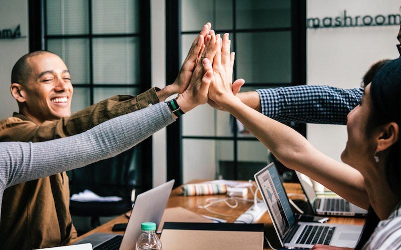 cara membangun hubungan baik dengan influencer