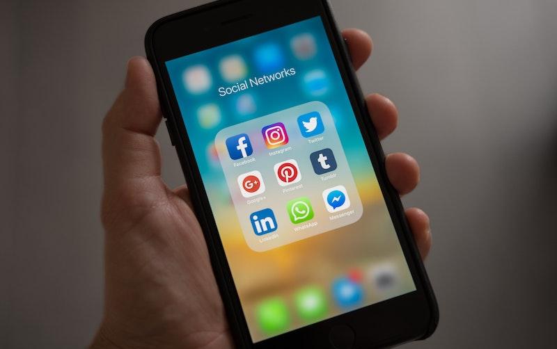 media sosial-1